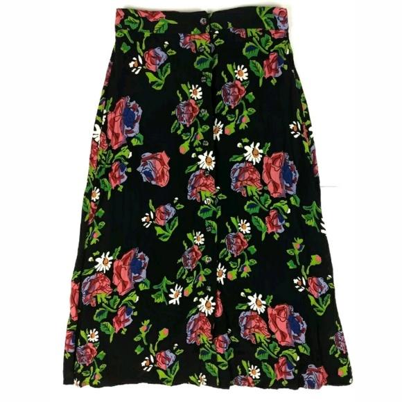 50d0d57706 Topshop Floral A-Line Below Knee Skirt. M_5b61f53c04e33df956cbcd0d